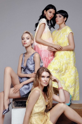 Campaign SS 19VICTORIA MULTICOLOR x VICTORIA YELLOW DRESS x MINA JAQUARD DRESS (СИН) x MINA JAQUARD DRESS (ЖЕЛТ)